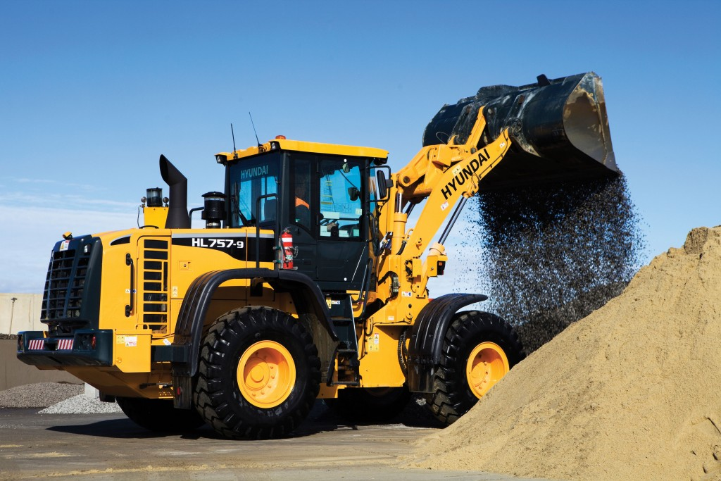 SITE PHOTO: Wheel Loader HL757-9