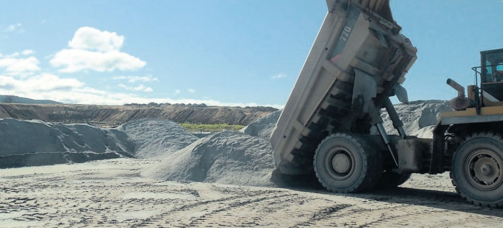 SITE PHOTO: Placing loads of dust for a Laminated Stockpile